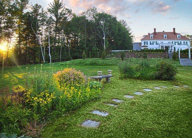 grass tree lawn Garden yard meadow backyard woodland flower landscape architect shrub grassy plant surrounded lush