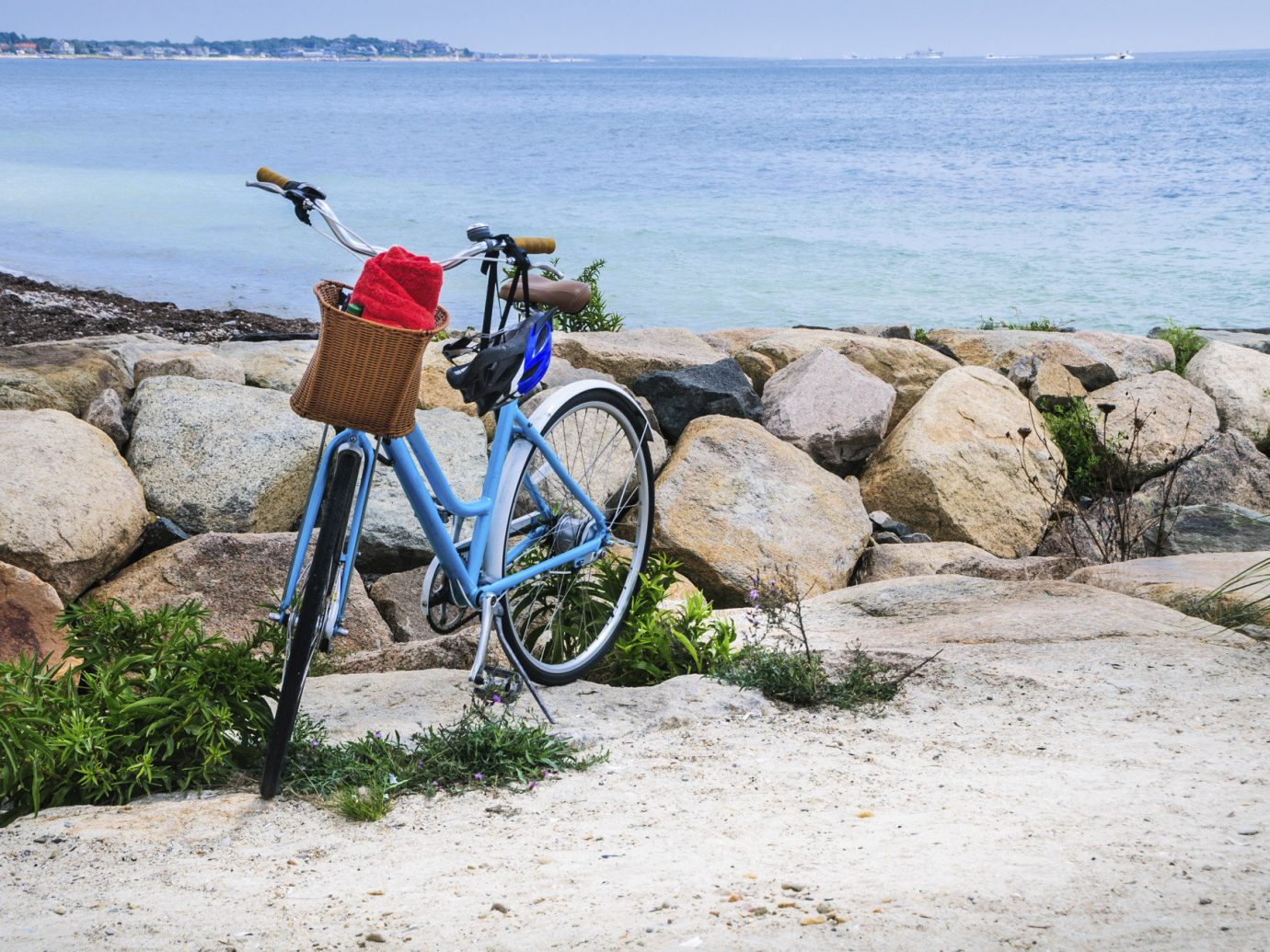 Trip Ideas outdoor rock ground water bicycle Beach Ocean rocky vehicle mountain bike Coast Sea vacation cycling parked mountain biking mountain sports equipment sand overlooking stone sandy shore
