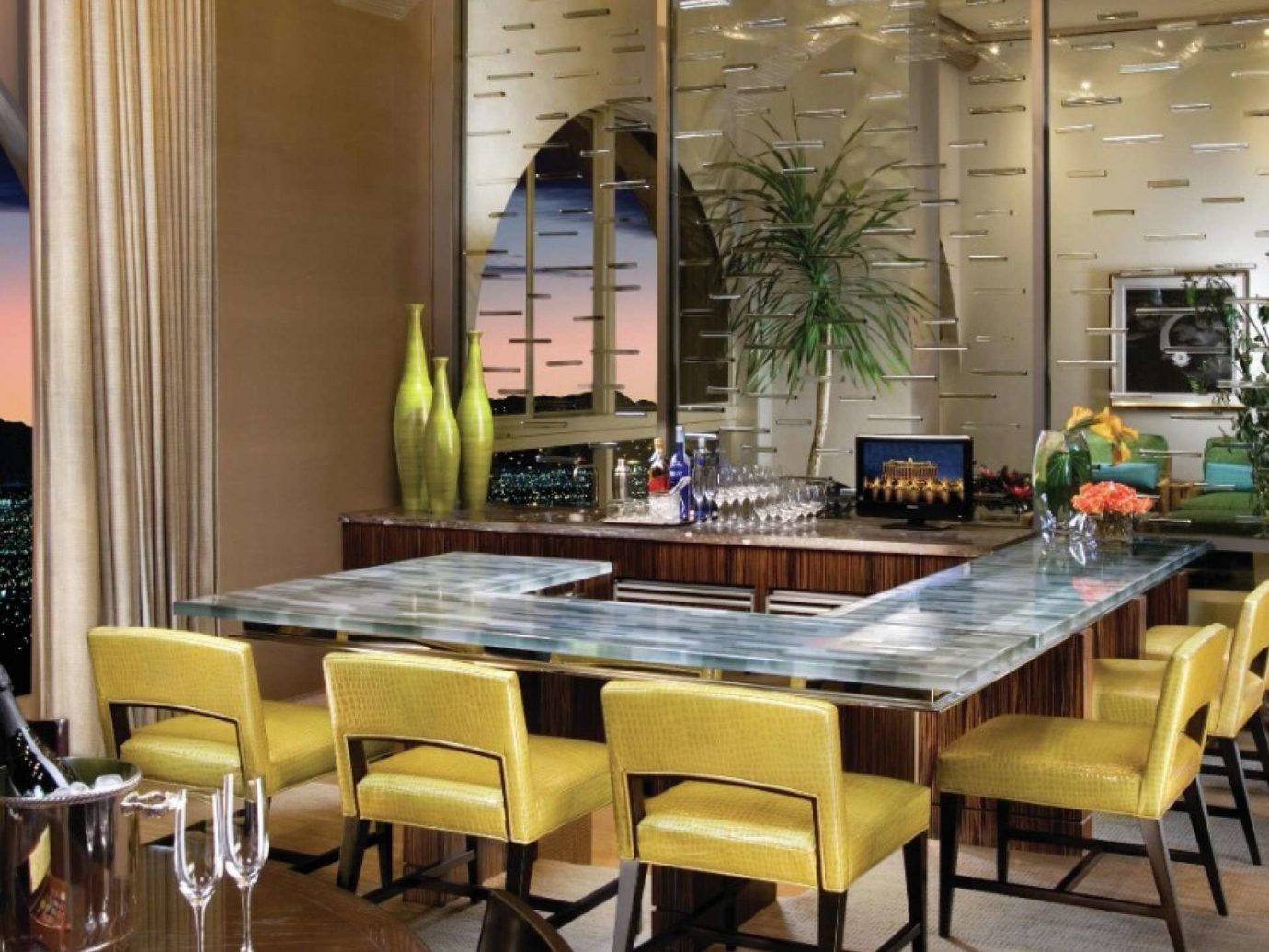 Dining room in the Chairman Suite, The Bellagio