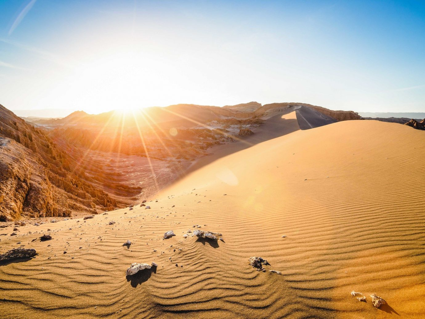 Desert erg aeolian landform singing sand sand sky sahara dune landscape ecoregion geology formation sunlight wadi material horizon