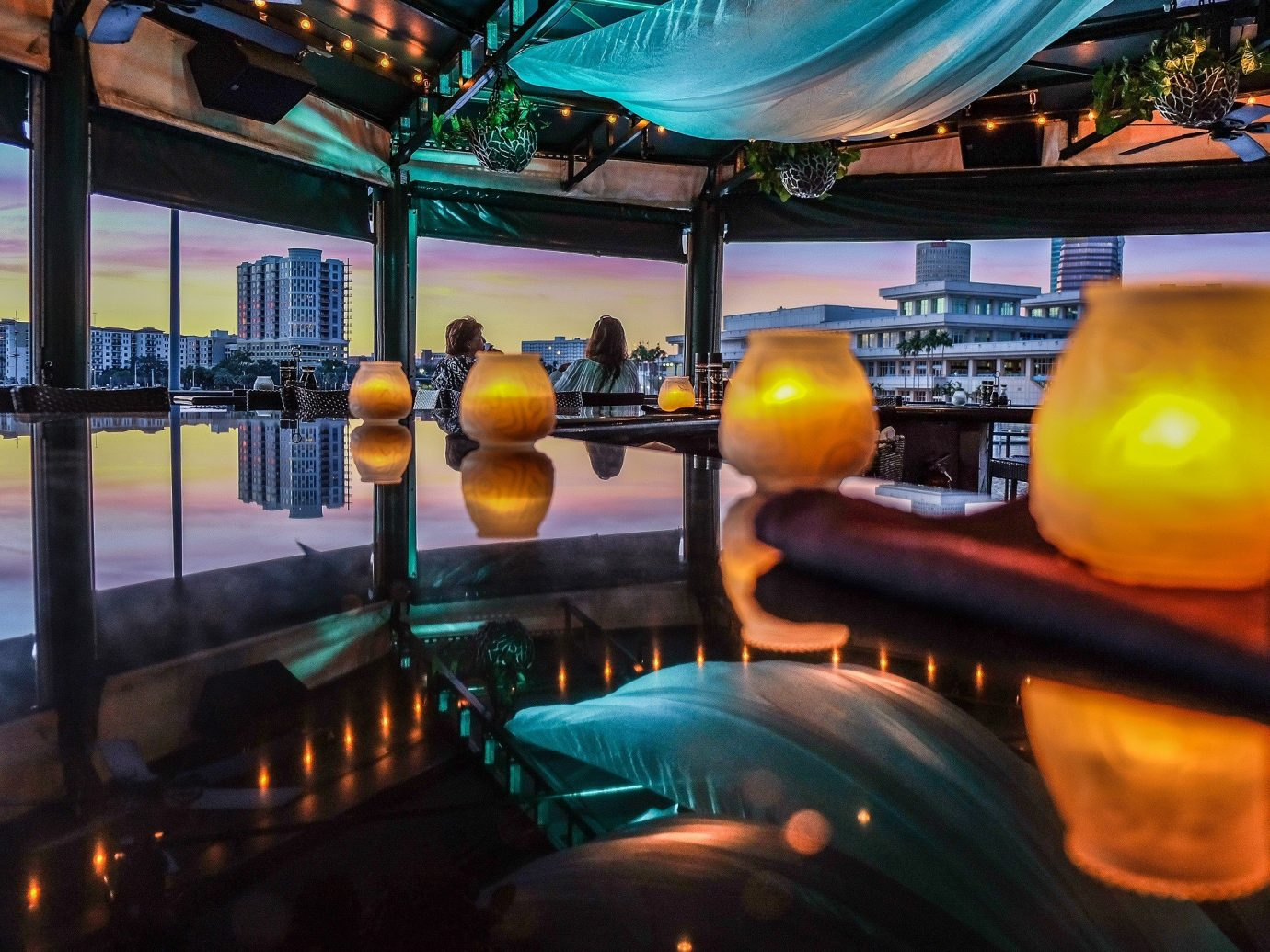 bowling structure sport venue light lighting Bar screenshot