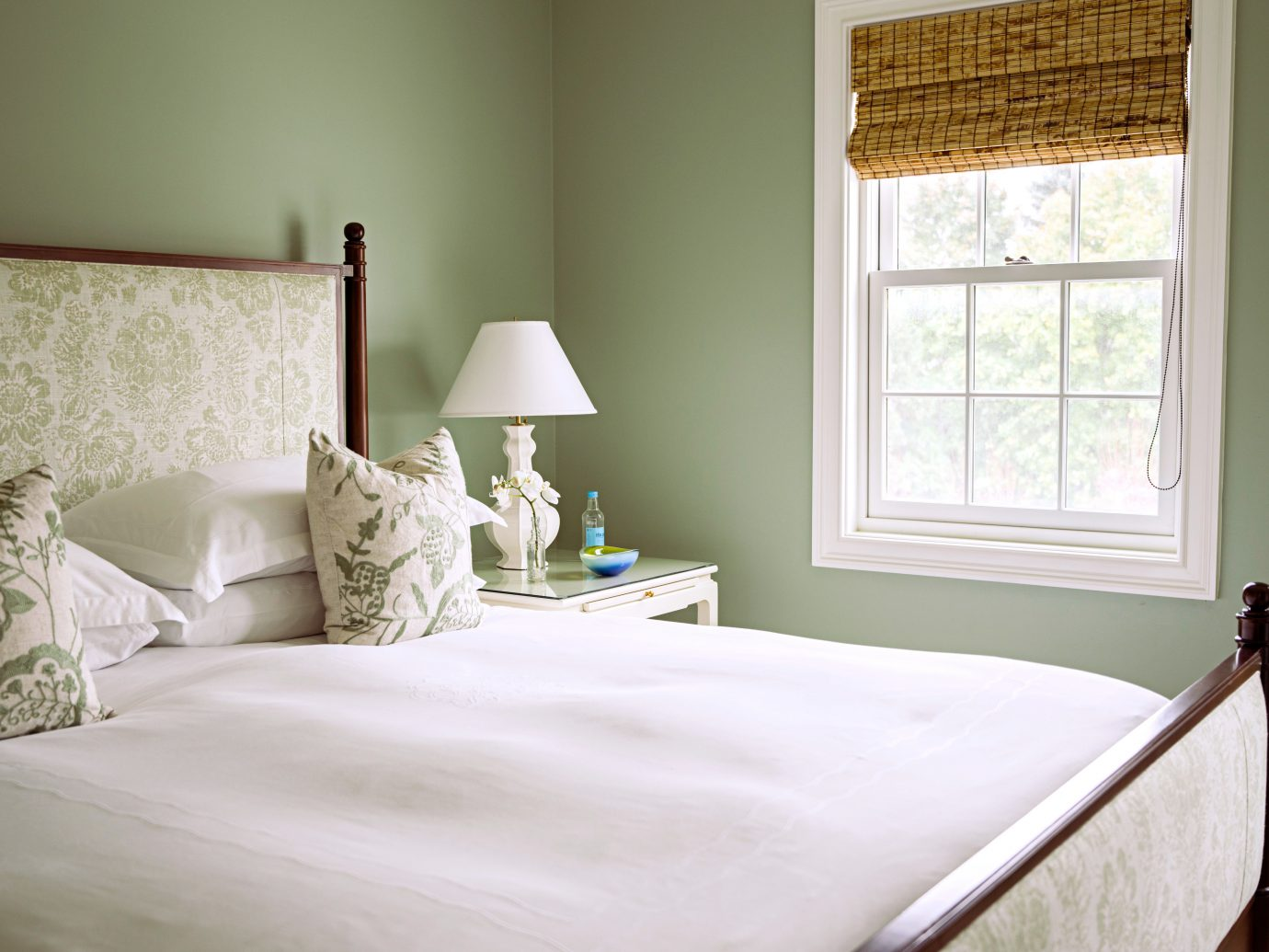 Beach Bedroom Country Family Golf Luxury Modern Resort South Fork Sport Suite The Hamptons bed indoor wall window room property hotel pillow interior design cottage floor home furniture bed sheet textile bed frame window covering