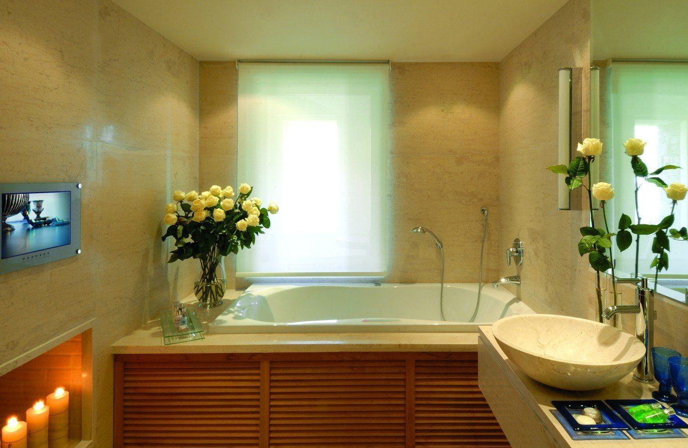 Hotels Luxury Travel wall indoor bathroom room interior design home Suite ceiling estate window daylighting interior designer
