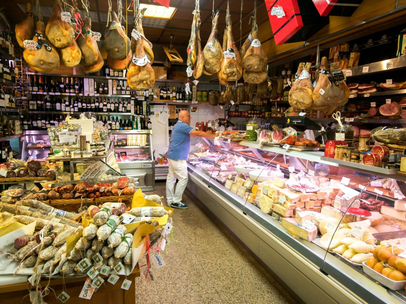 Jetsetter Guides grocery store marketplace supermarket scene indoor pastry retail charcuterie public space City store food market greengrocer delicatessen whole food meal convenience food pâtisserie bazaar convenience store stall counter Shop produce baked sale
