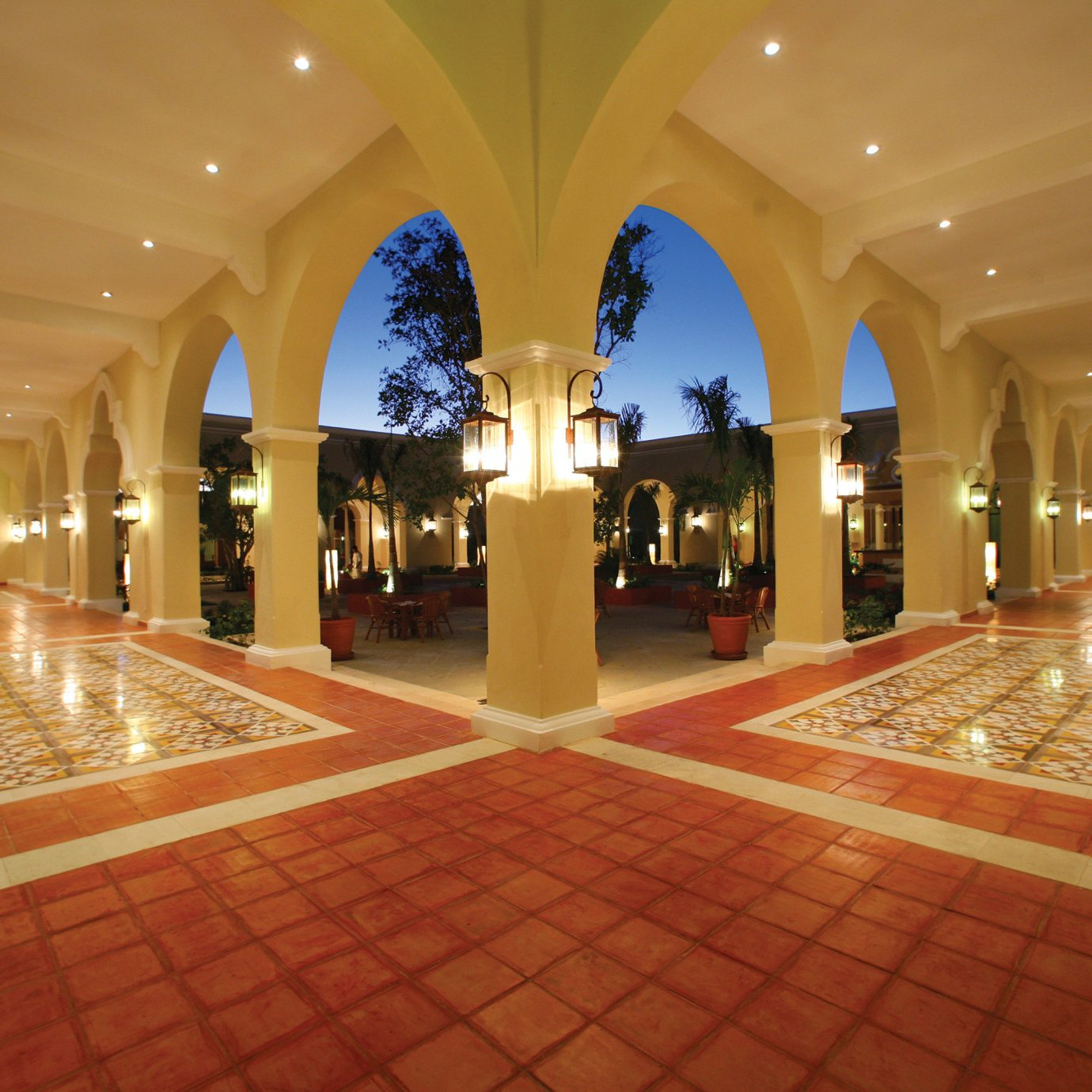 Lobby building function hall shopping mall ballroom hall convention center palace