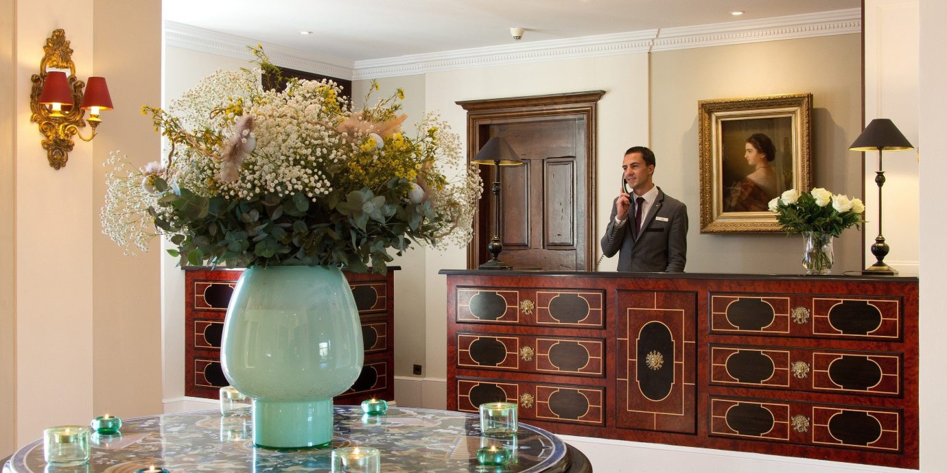 living room home floristry cabinetry Lobby counter beautiful fancy