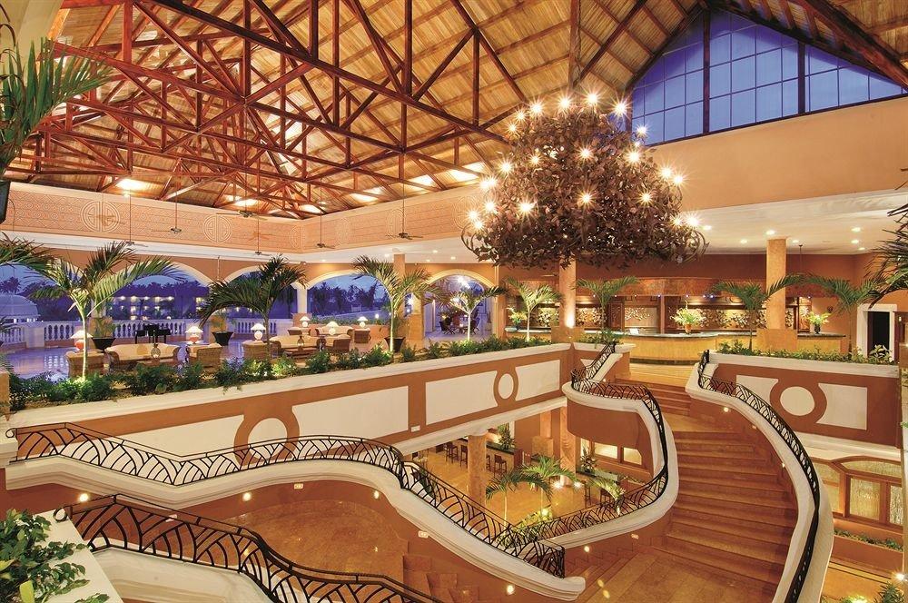 Lobby function hall Resort shopping mall plaza convention center mansion palace ballroom