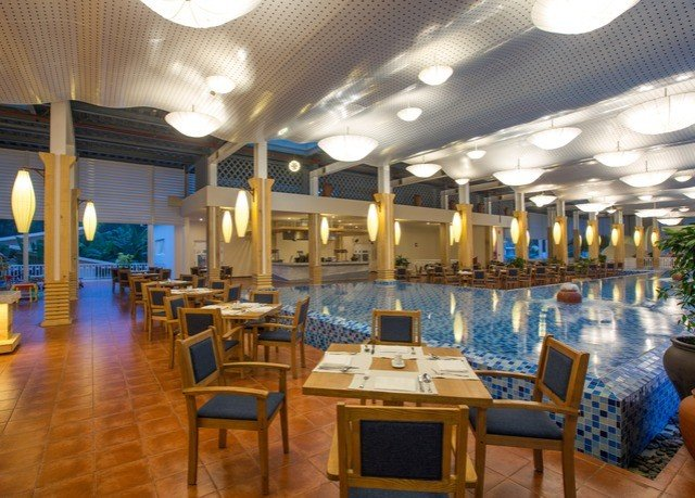 chair property Resort restaurant function hall Lobby palace