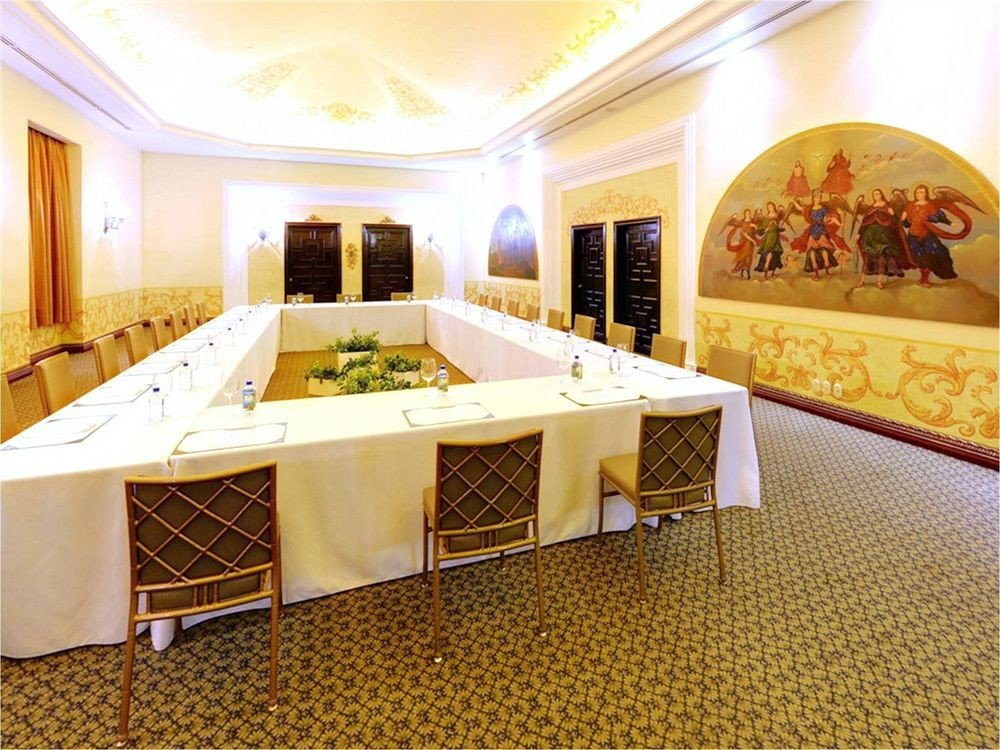 property function hall Lobby Suite recreation room mansion Villa