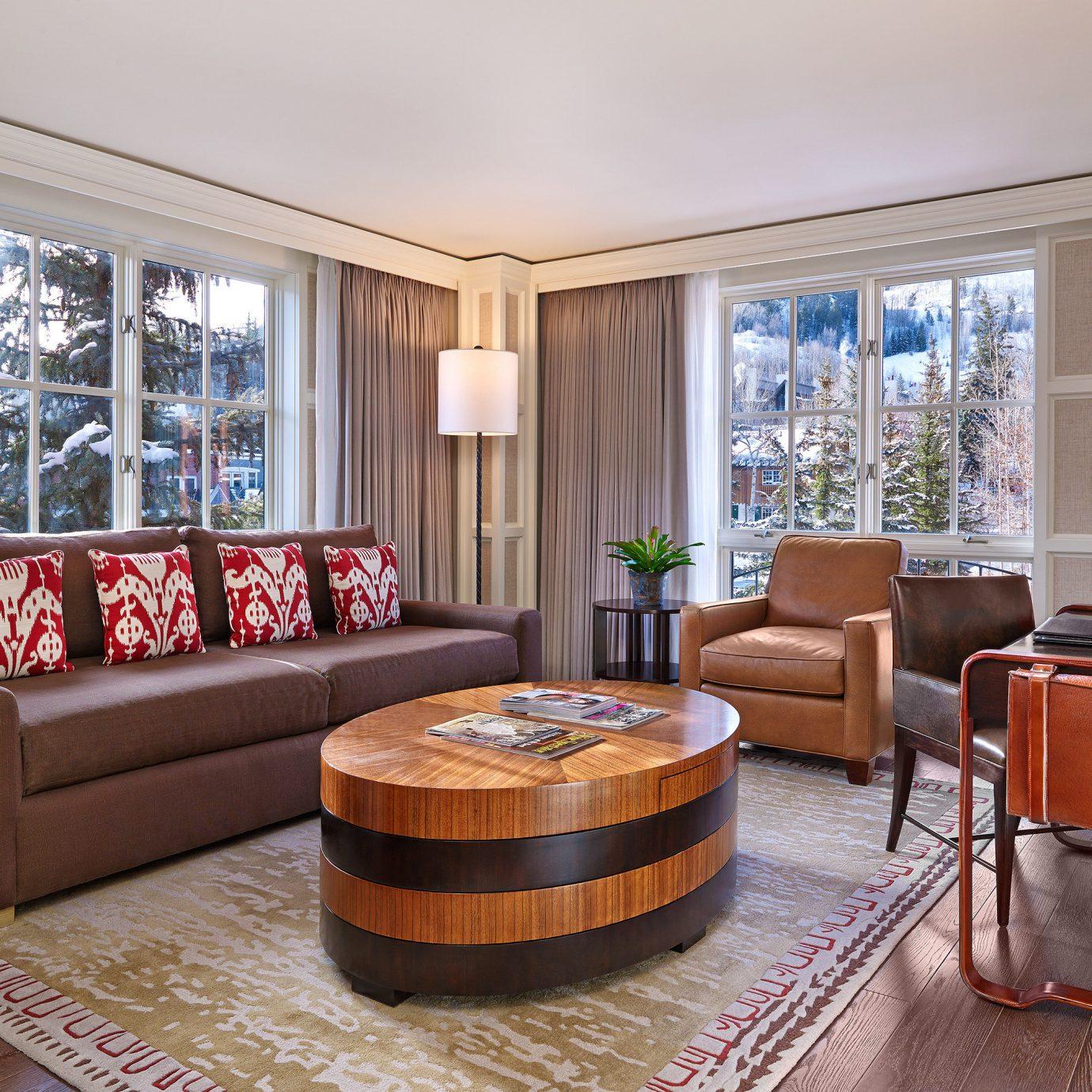 Luxury Modern Resort sofa property living room Suite home hardwood condominium