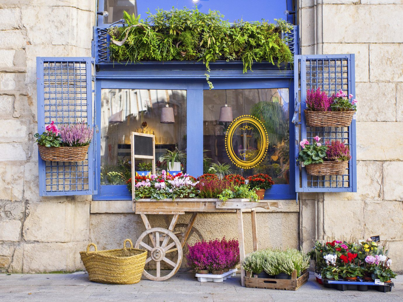Romance Travel Tips Trip Ideas building outdoor flower floristry Balcony facade home Courtyard Garden yard window stone