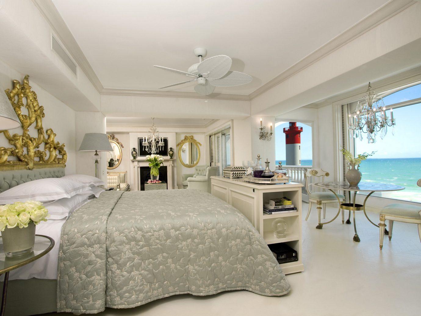 Hotels indoor wall floor bed ceiling room property Bedroom estate living room scene real estate home interior design Suite cottage furniture