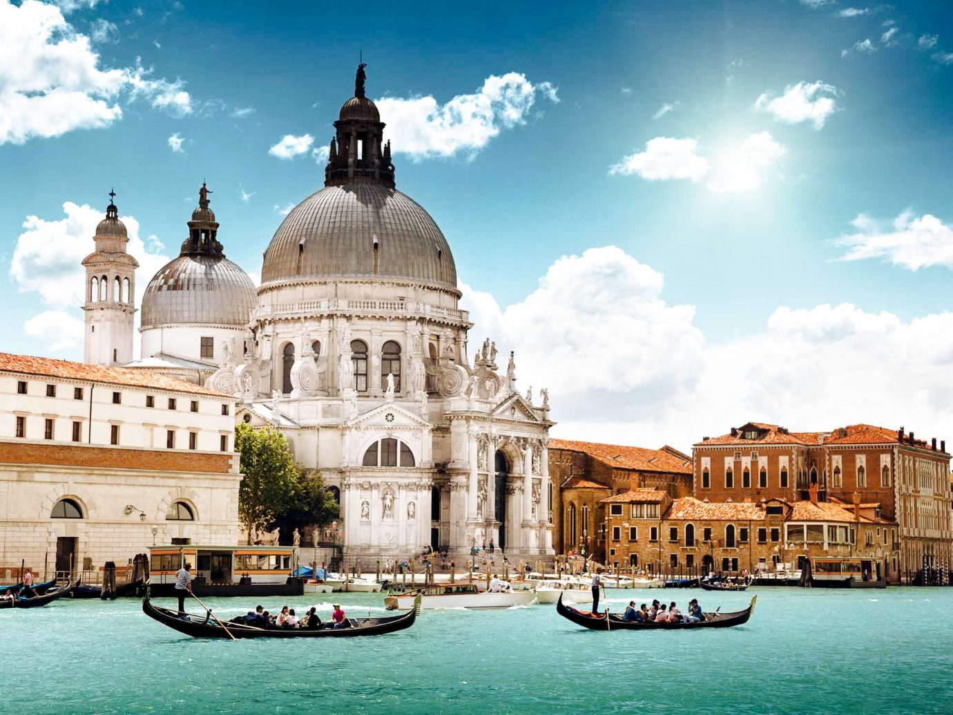 Cruise Travel Luxury Travel sky outdoor water Boat waterway landmark tourist attraction tourism City basilica gondola building facade historic site palace