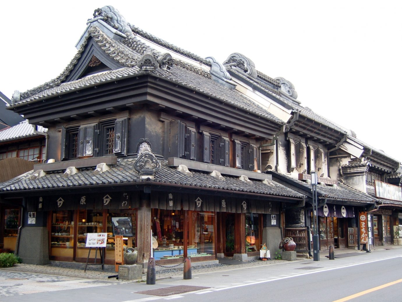 Day Trips building outdoor chinese architecture landmark Town japanese architecture neighbourhood facade house street Downtown temple shinto shrine old