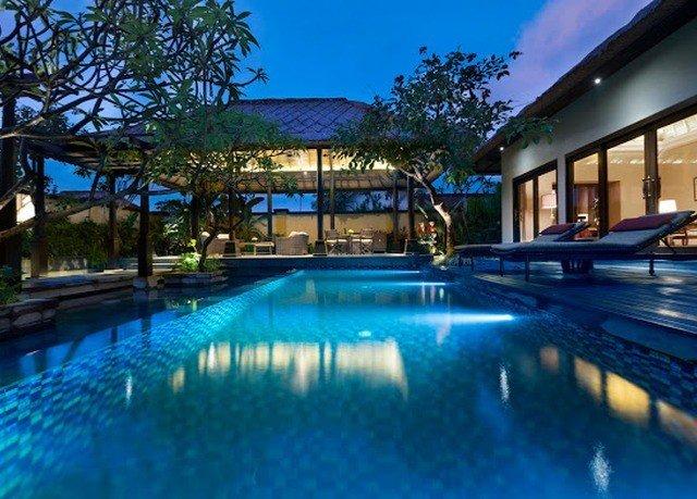 swimming pool property blue Resort leisure leisure centre reflecting pool Pool condominium resort town Villa