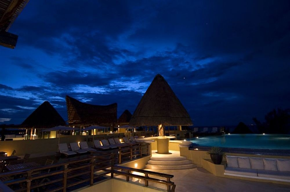 sky landmark night house evening dusk lighting screenshot Resort