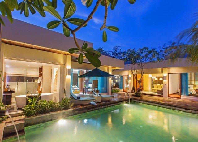 swimming pool property condominium Resort Villa home mansion caribbean plant eco hotel hacienda backyard restaurant
