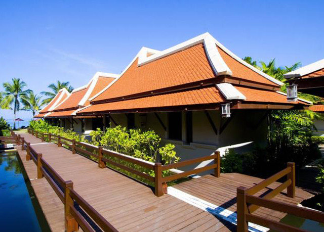 sky building property Resort wooden house roof Villa outdoor structure cottage eco hotel lined