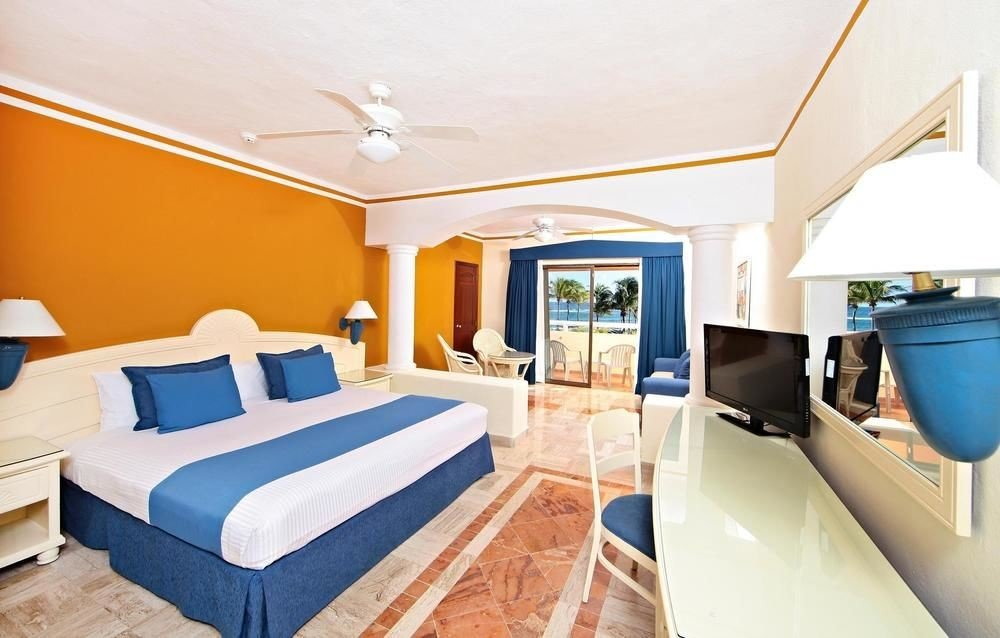 All-Inclusive Resorts Family Travel Hotels indoor floor wall bed property room Suite real estate ceiling estate Bedroom interior design hotel penthouse apartment furniture