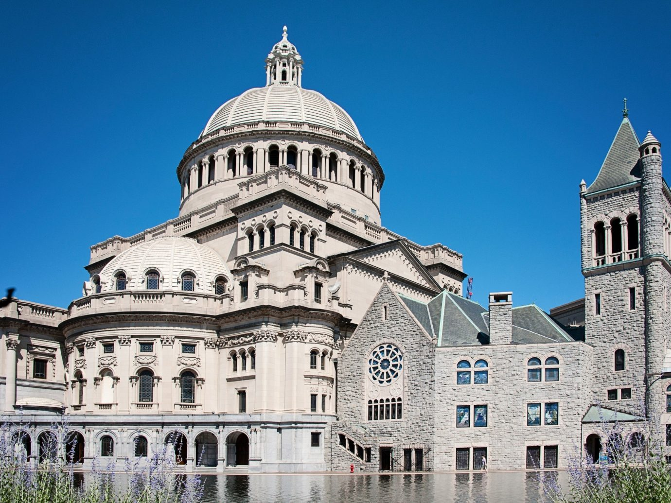 Budget building outdoor landmark historic site château Architecture facade cathedral tourism place of worship palace stately home estate basilica Church government building old