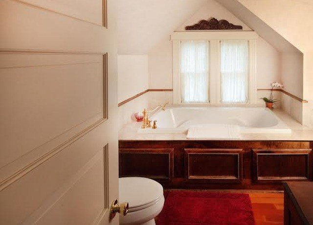 property bathroom Suite cottage home