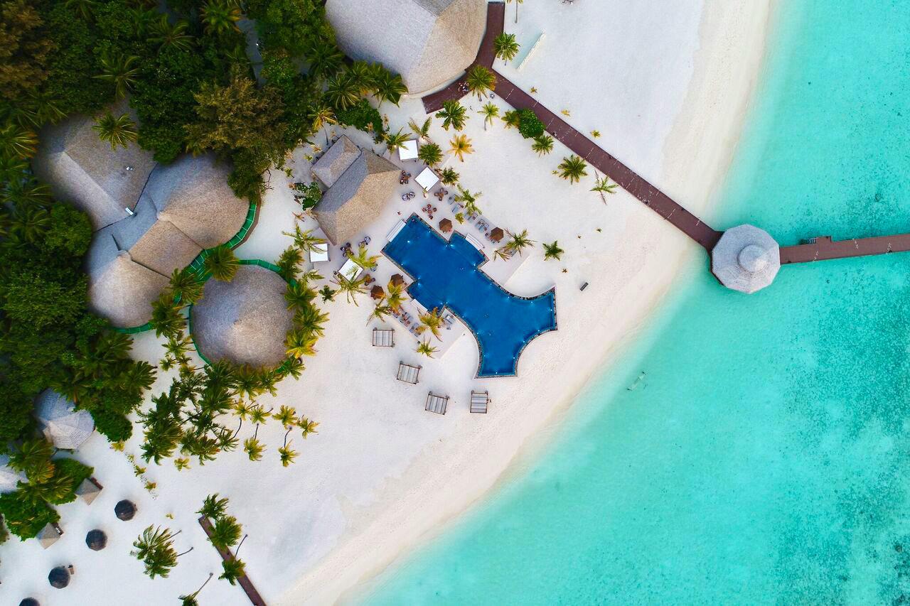 Offbeat blue green water screenshot swimming pool