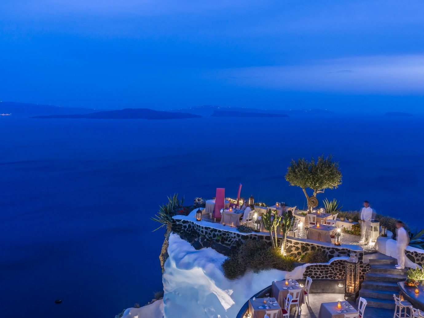 Lycabettus Restaurant overlooking the ocean in Oia, Greece