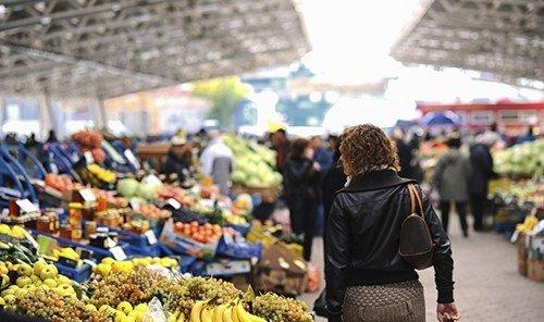 Food + Drink market marketplace person public space City vendor geographical feature fruit human settlement bazaar tourism produce fresh sale