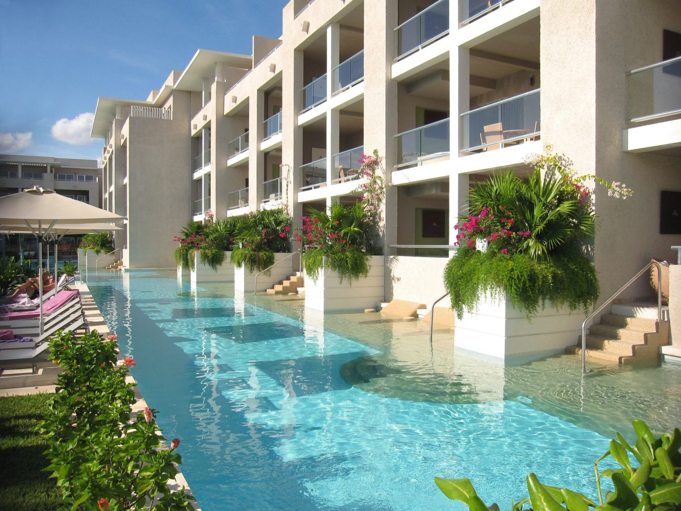All-Inclusive Resorts Hotels building outdoor condominium property Resort swimming pool estate Villa real estate apartment mansion