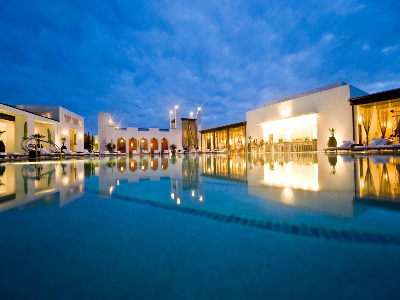 Beach sky leisure swimming pool Resort estate night scene vacation reflection plaza palace blue
