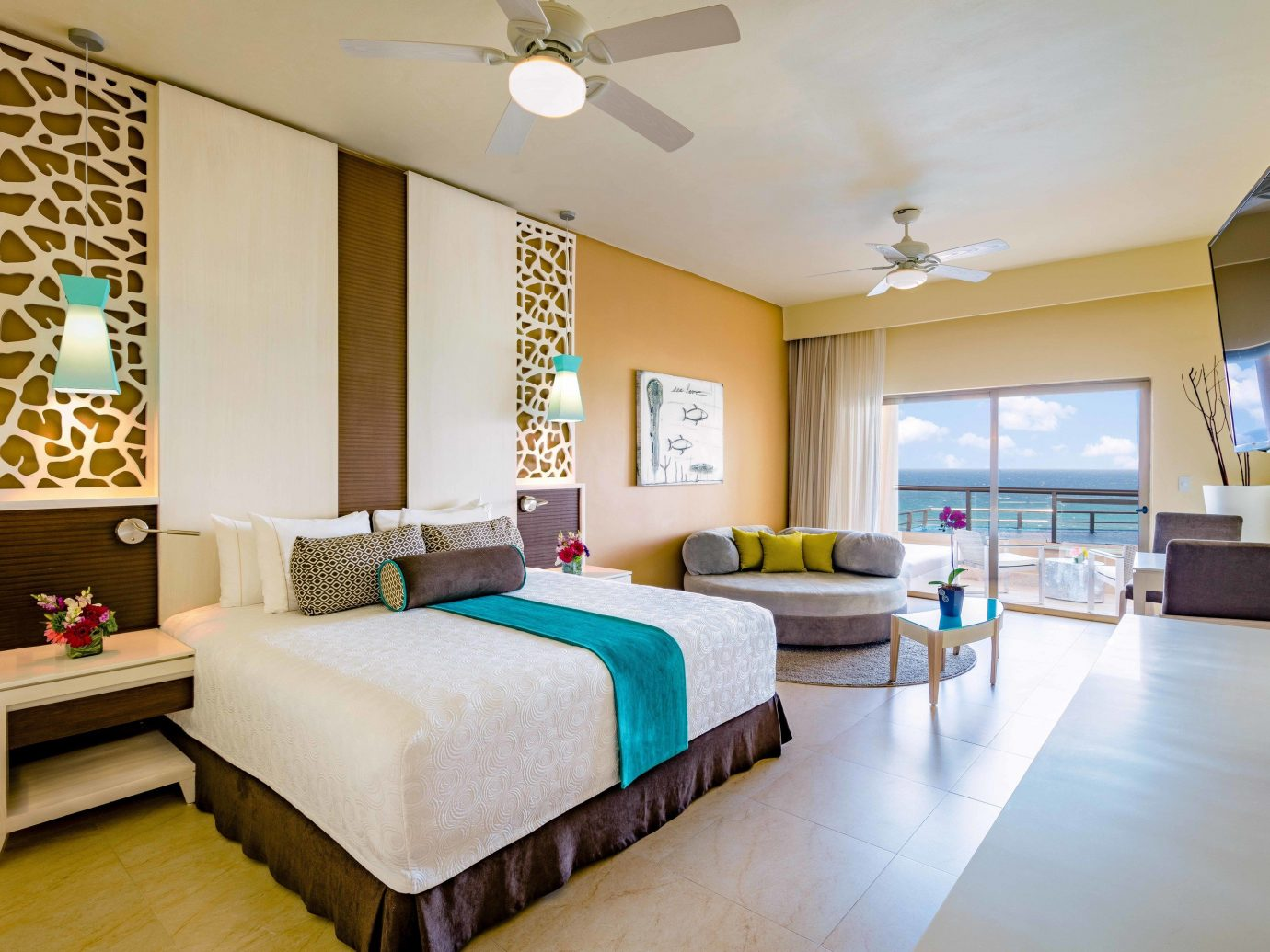 All-inclusive All-Inclusive Resorts Mexico Riviera Maya, Mexico indoor floor ceiling wall room Living interior design Bedroom Suite furniture living room real estate estate hotel interior designer condominium penthouse apartment area Modern wood