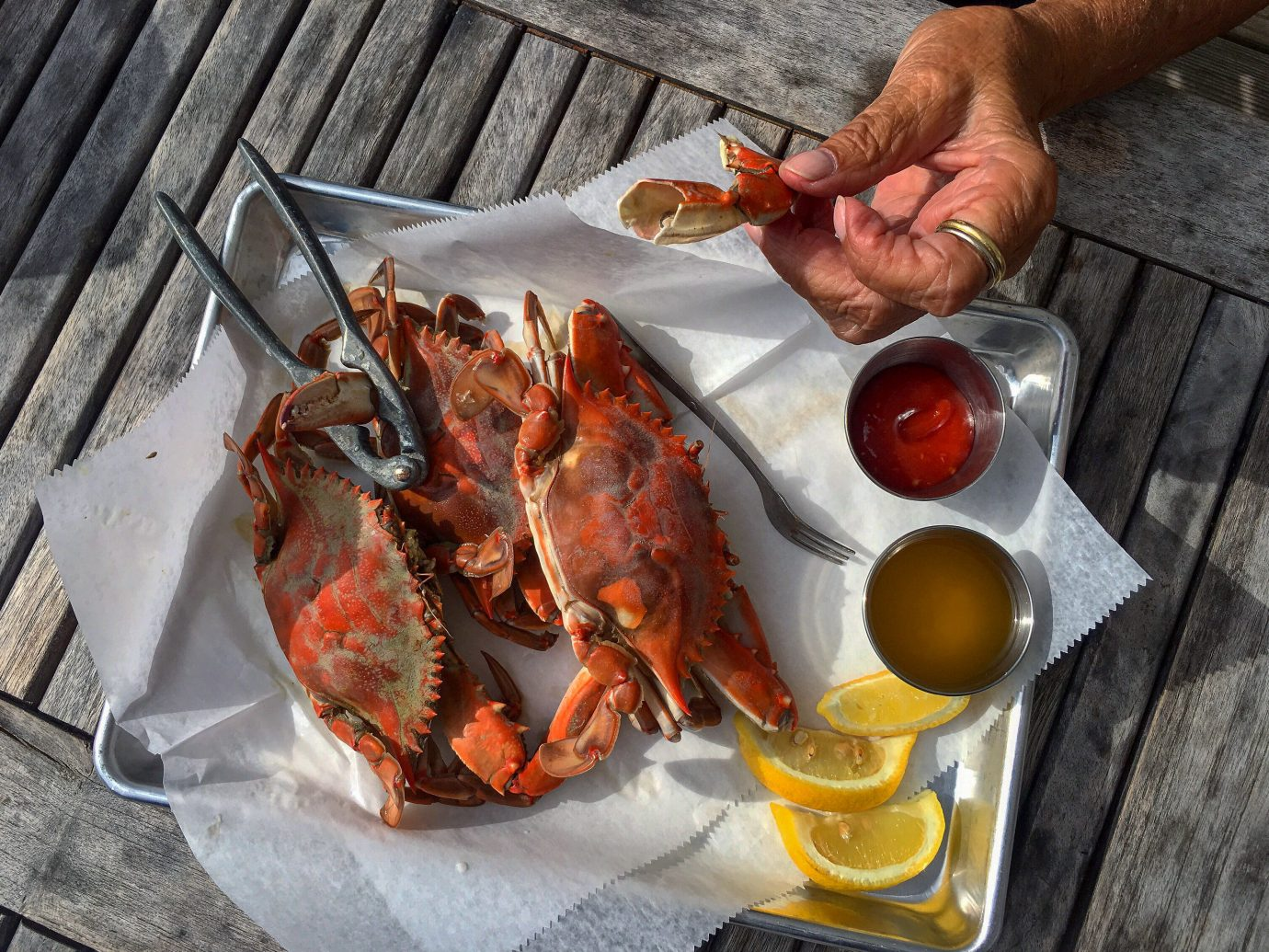 Girls Getaways Trip Ideas Weekend Getaways arthropod invertebrate animal person Seafood crab food outdoor dungeness crab decapoda animal source foods crustacean seafood boil lobster crab boil dish king crab crab meat recipe lobster thermidor soft shell crab meat meal