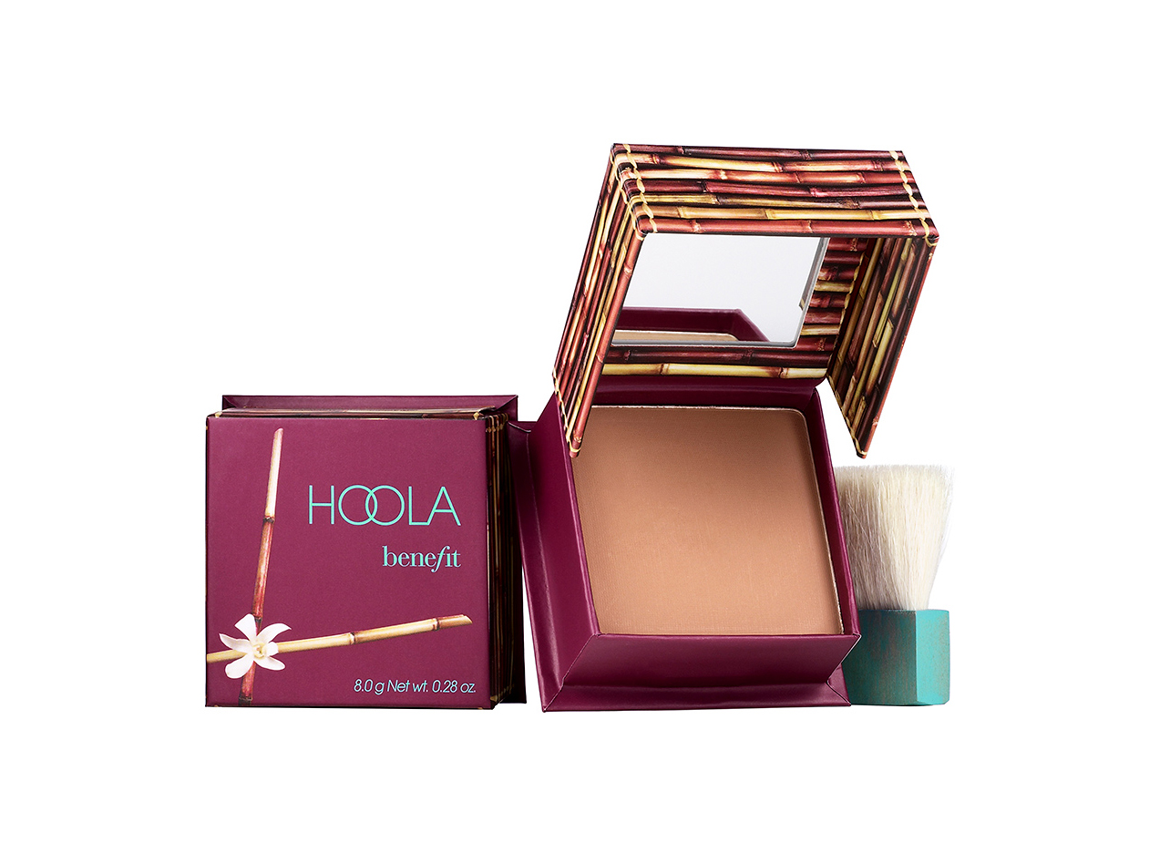 Summer Glow product Benefit Hoola Matte Bronzer