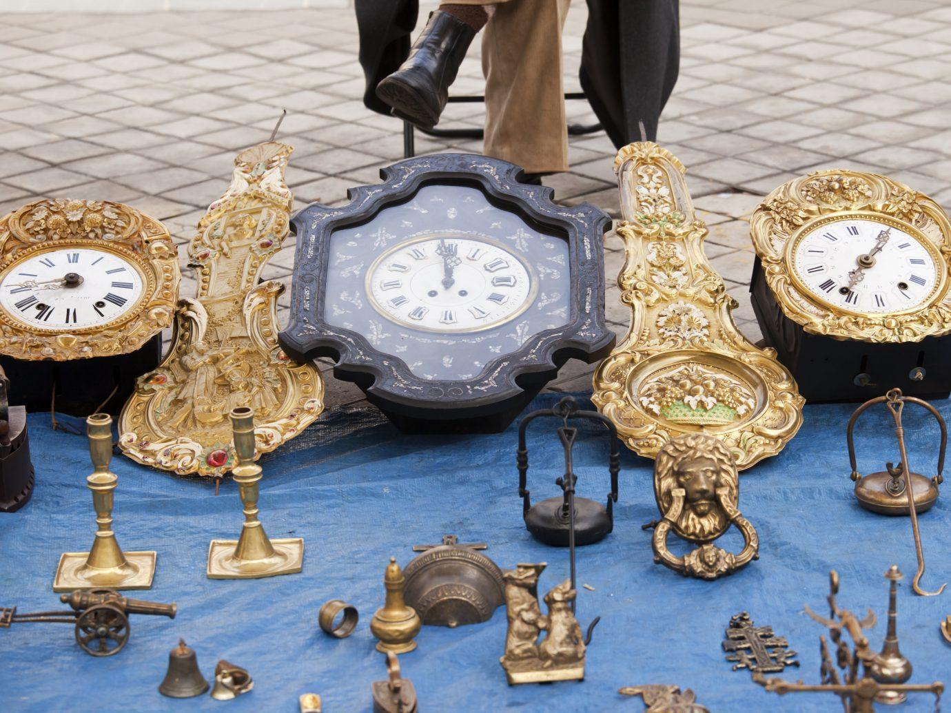 Antique clocks at El Rastro market