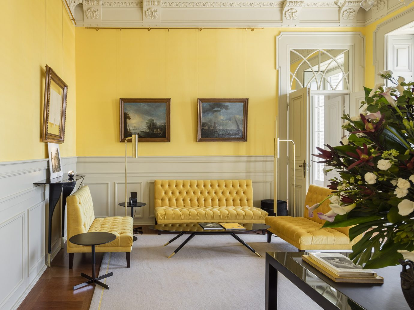 Luxurious room with bright yellow decor at Verride Palácio Santa Catarina