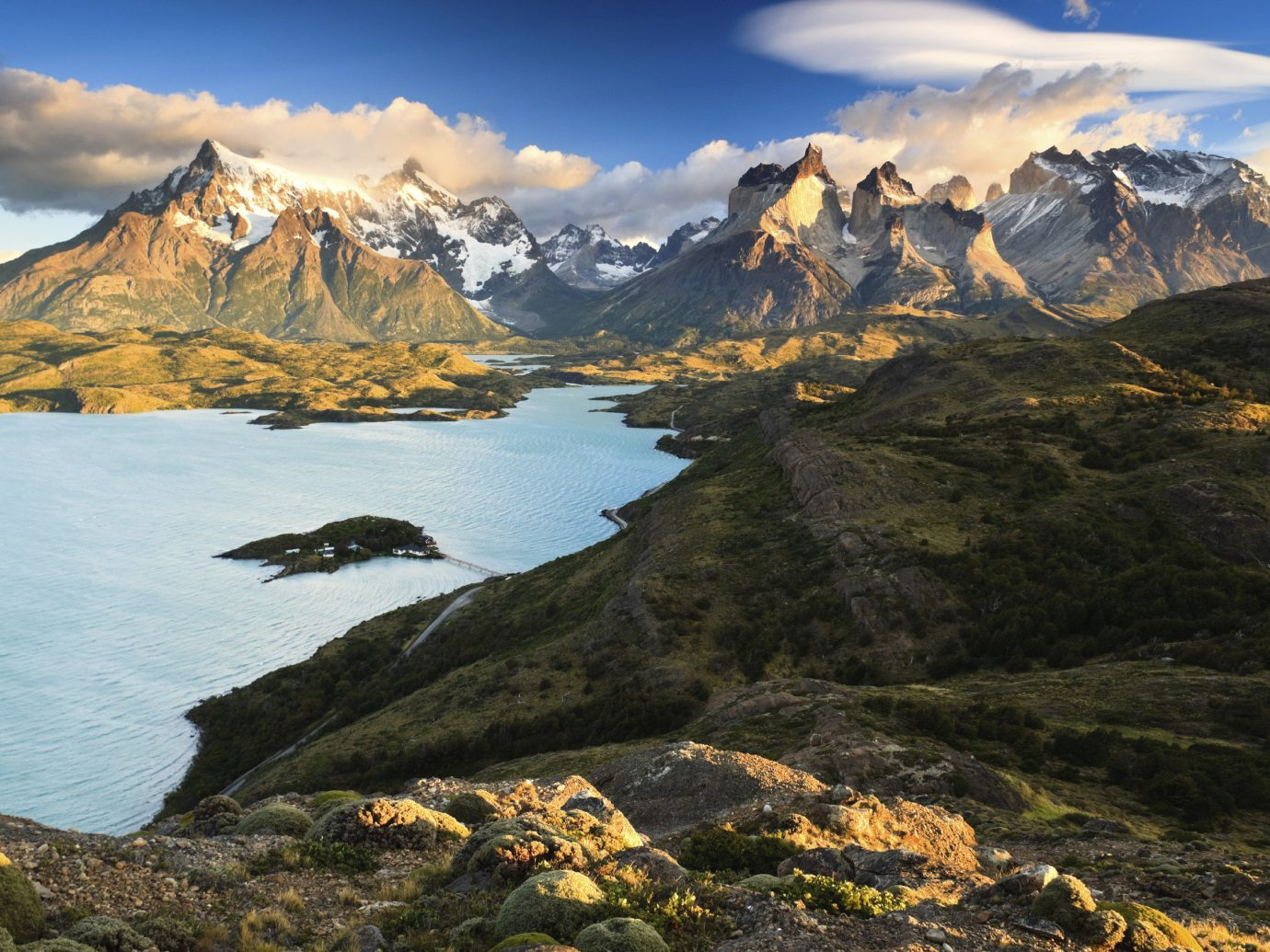 Breathtaking mountain range on the water in Patagonia