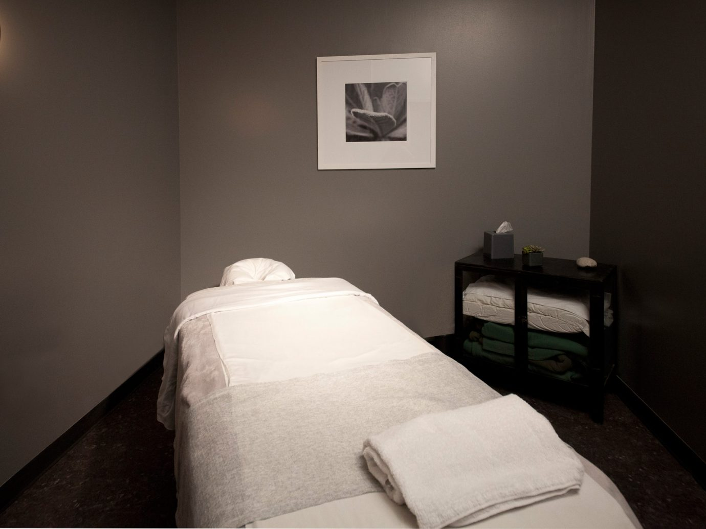 Bed at Oasis Day Spa in NYC