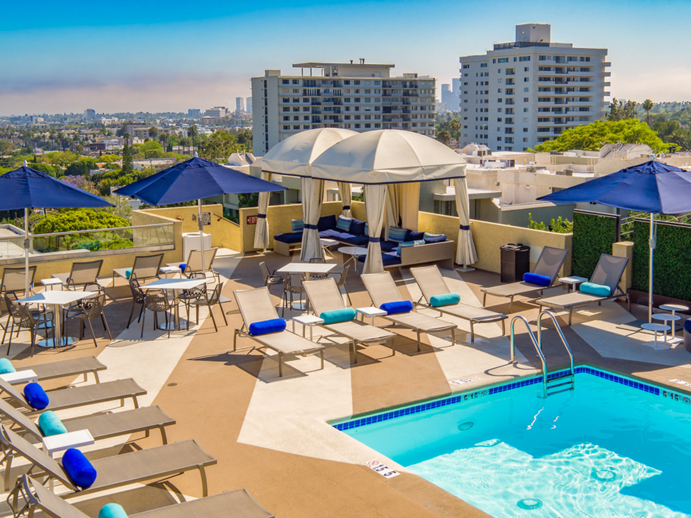Rooftop pool at Montrose