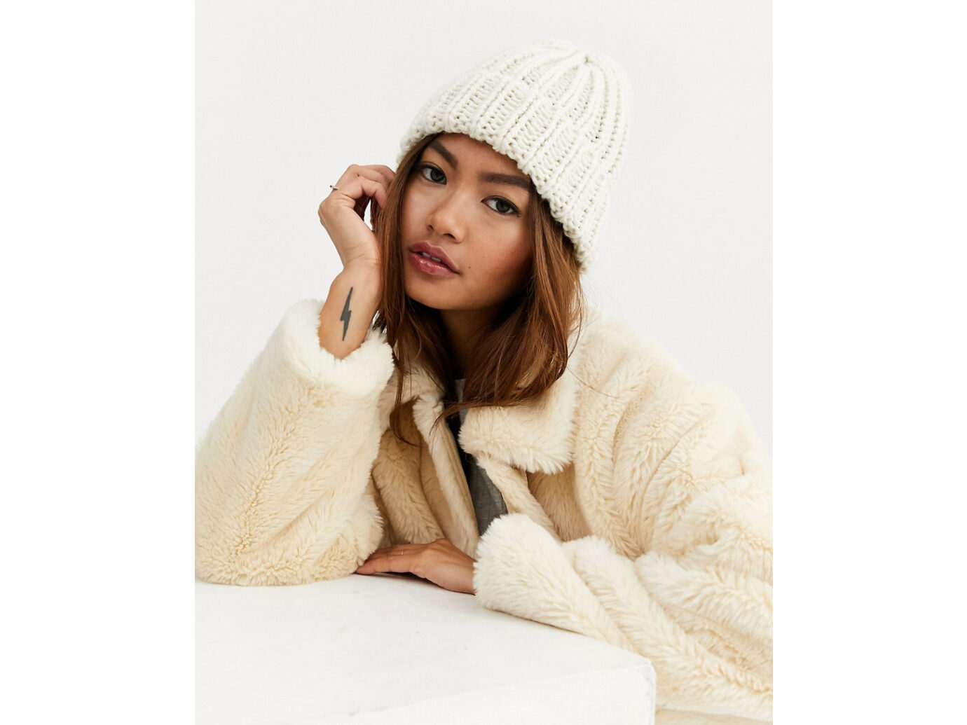 My Accessories London Oatmeal Knitted Beanie