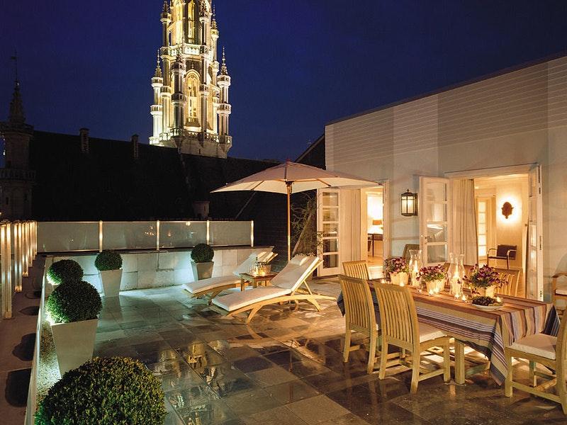 Balcony at night at Hotel Amigo