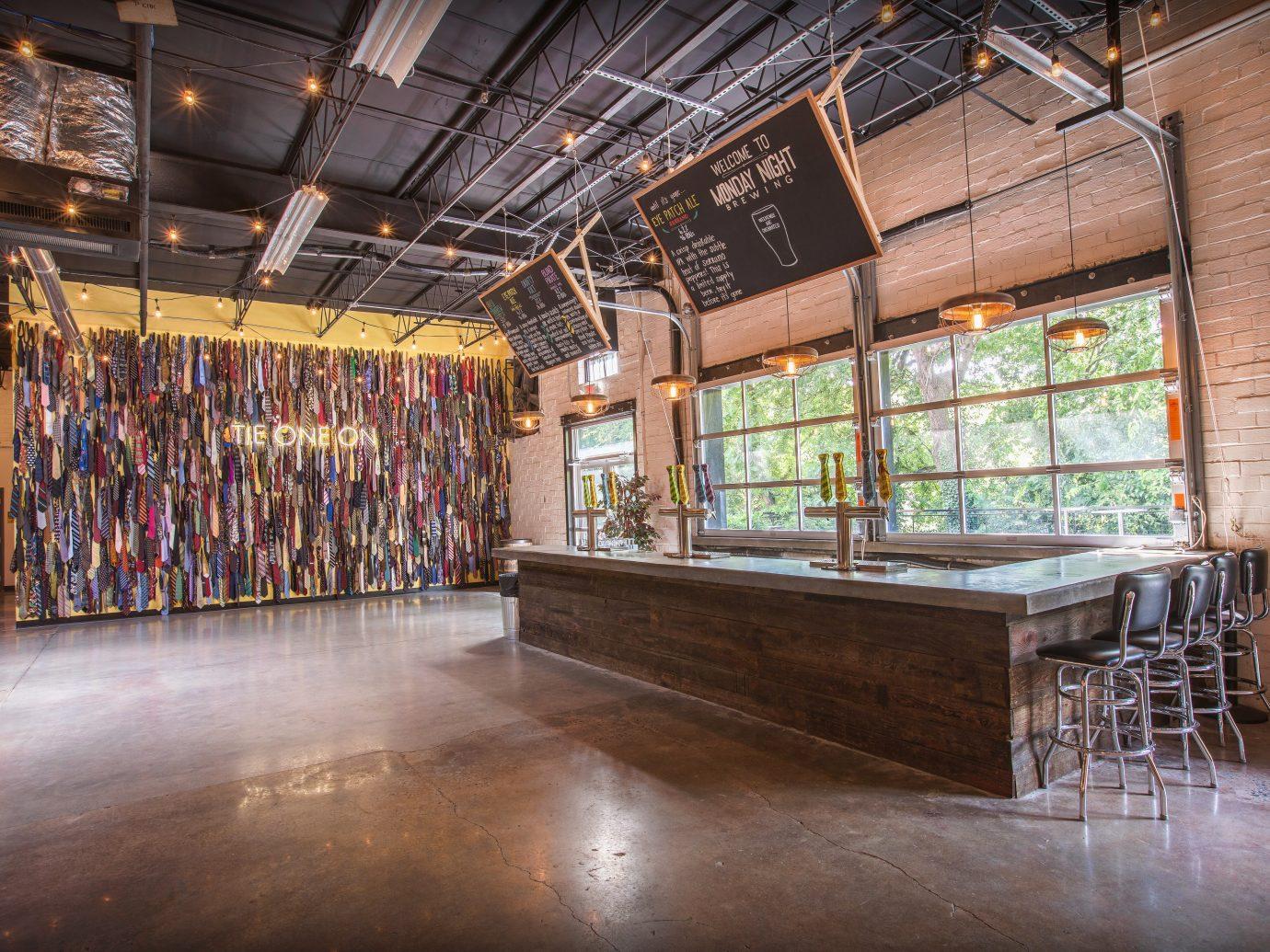 Monday Night Brewing interior