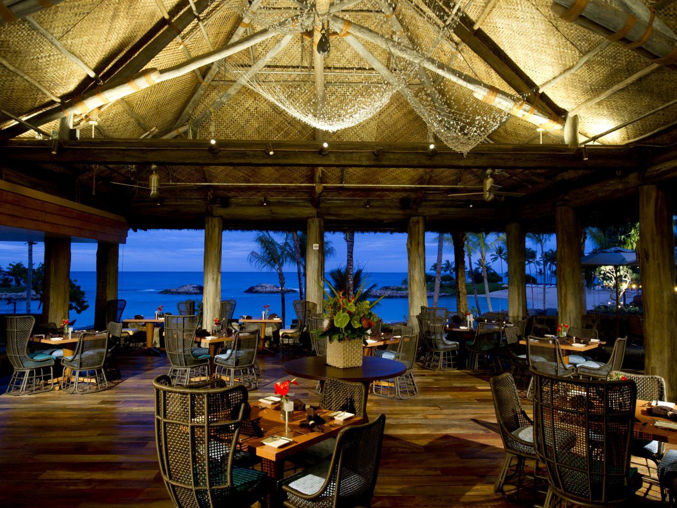 AMA'AMA BEACH RESTAURANT at Aulani Resort