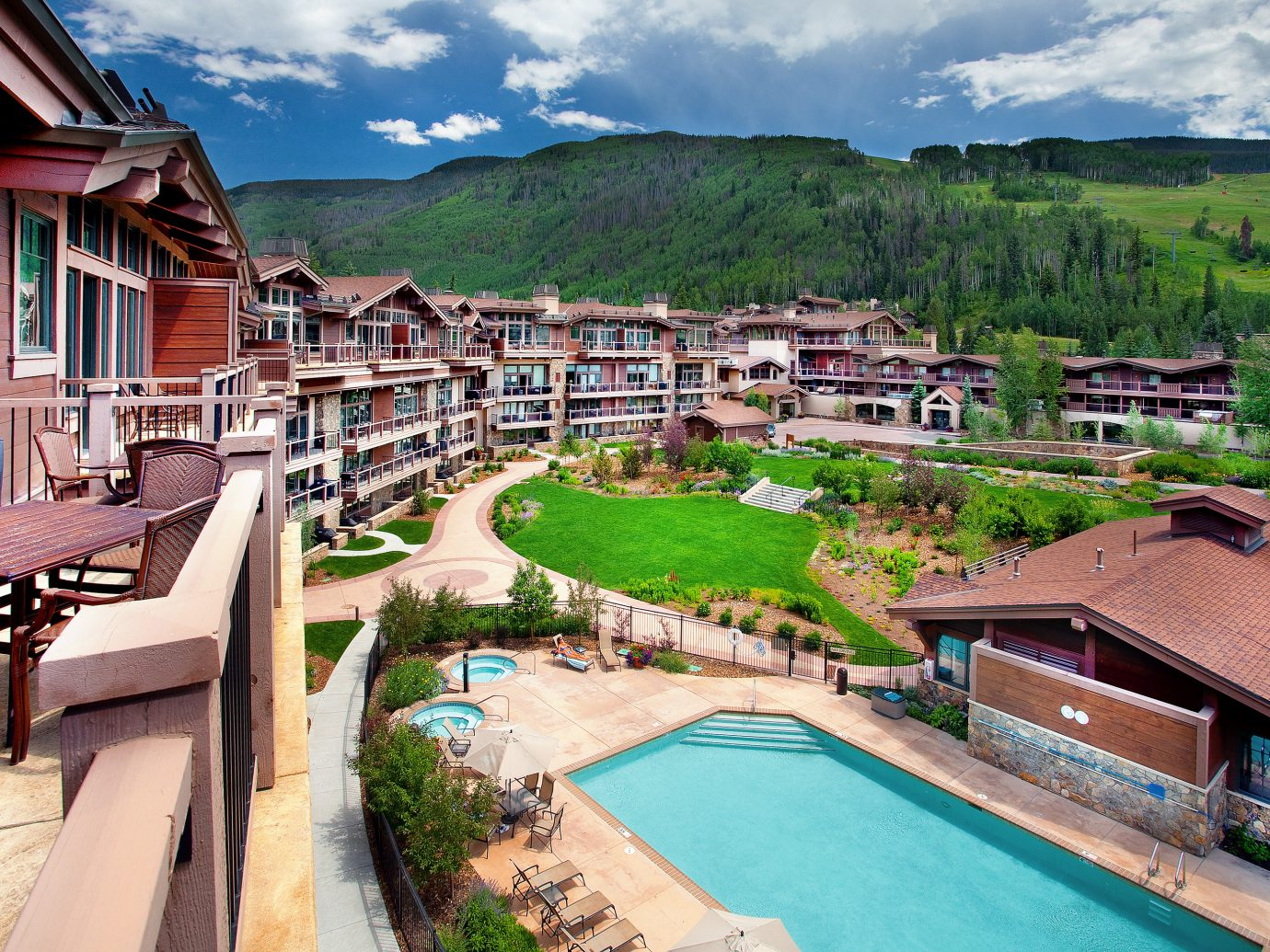 Aerial view of Manor Vail Lodge