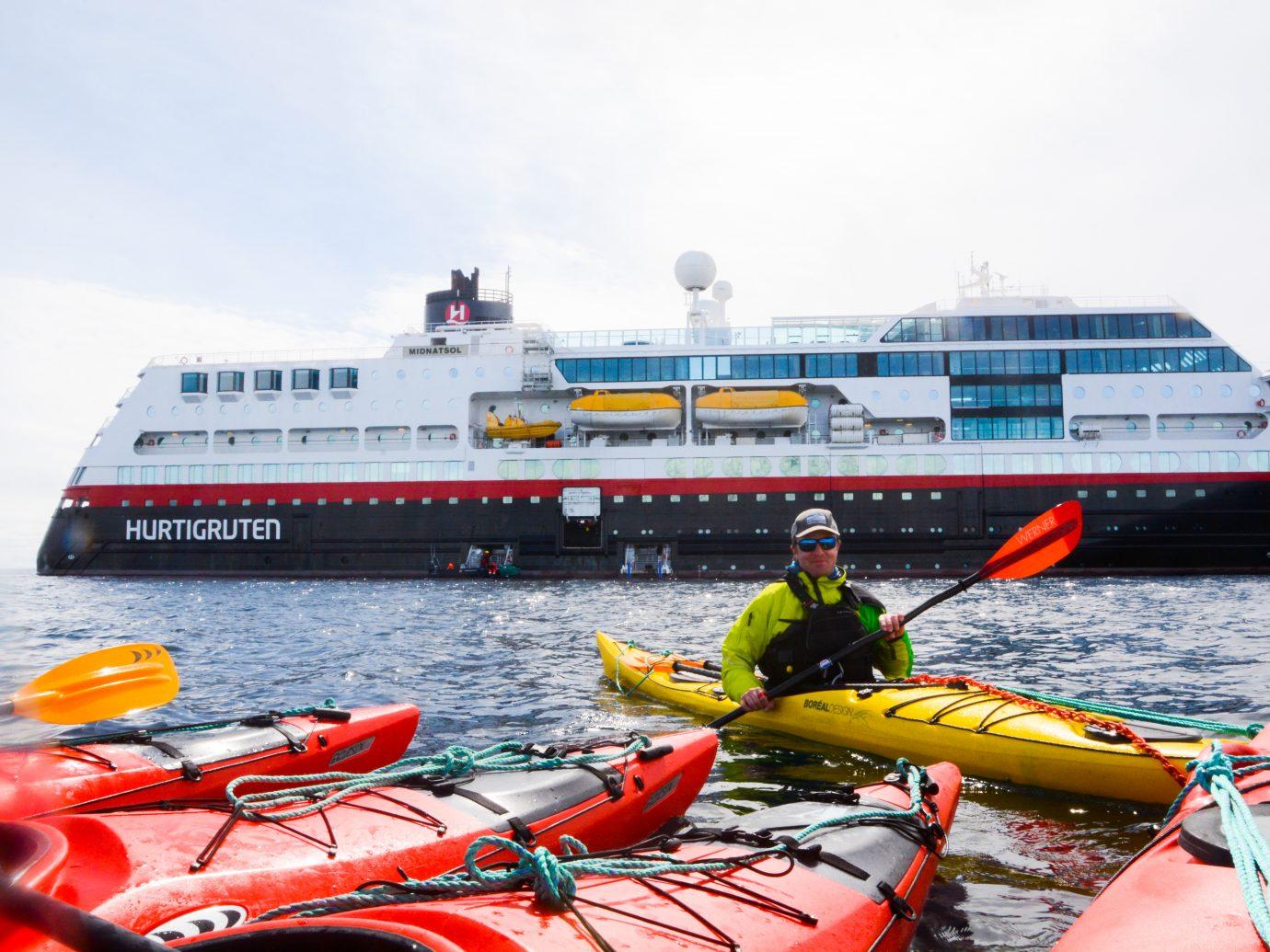 Kayak Guide in Wilhelmina Bay