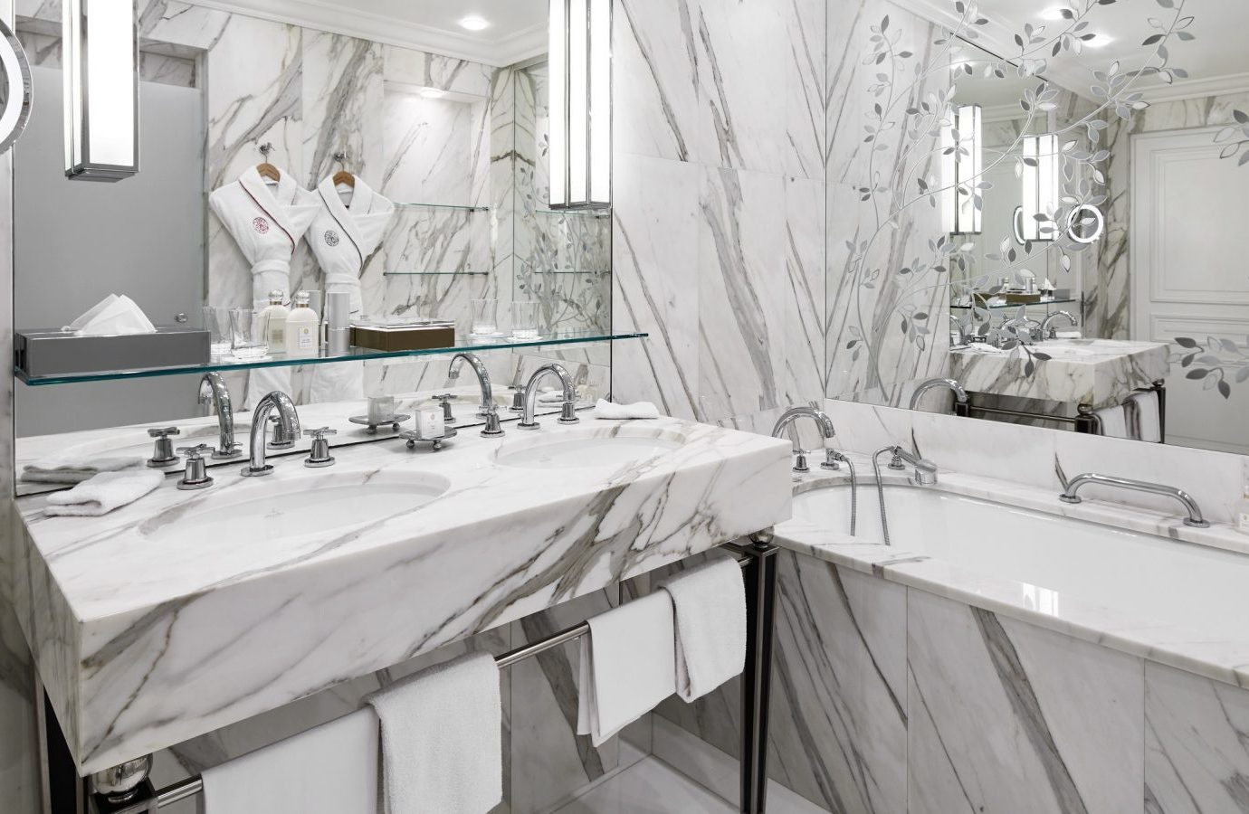 Bathroom at Hotel Plaza Athenee
