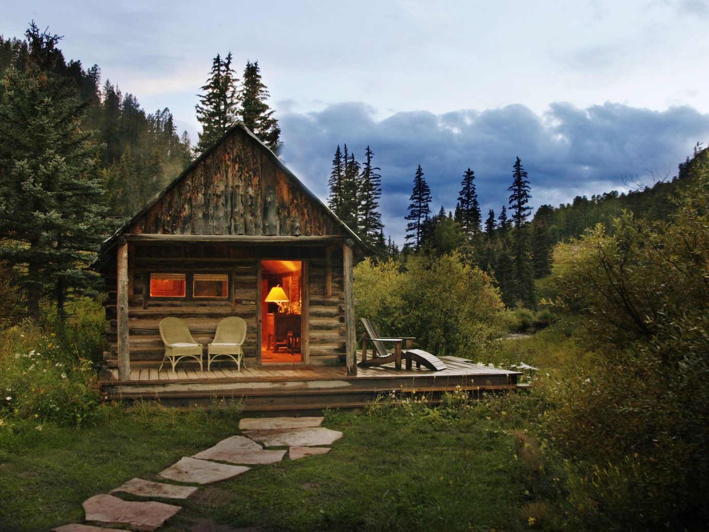 dolores cabin exterior
