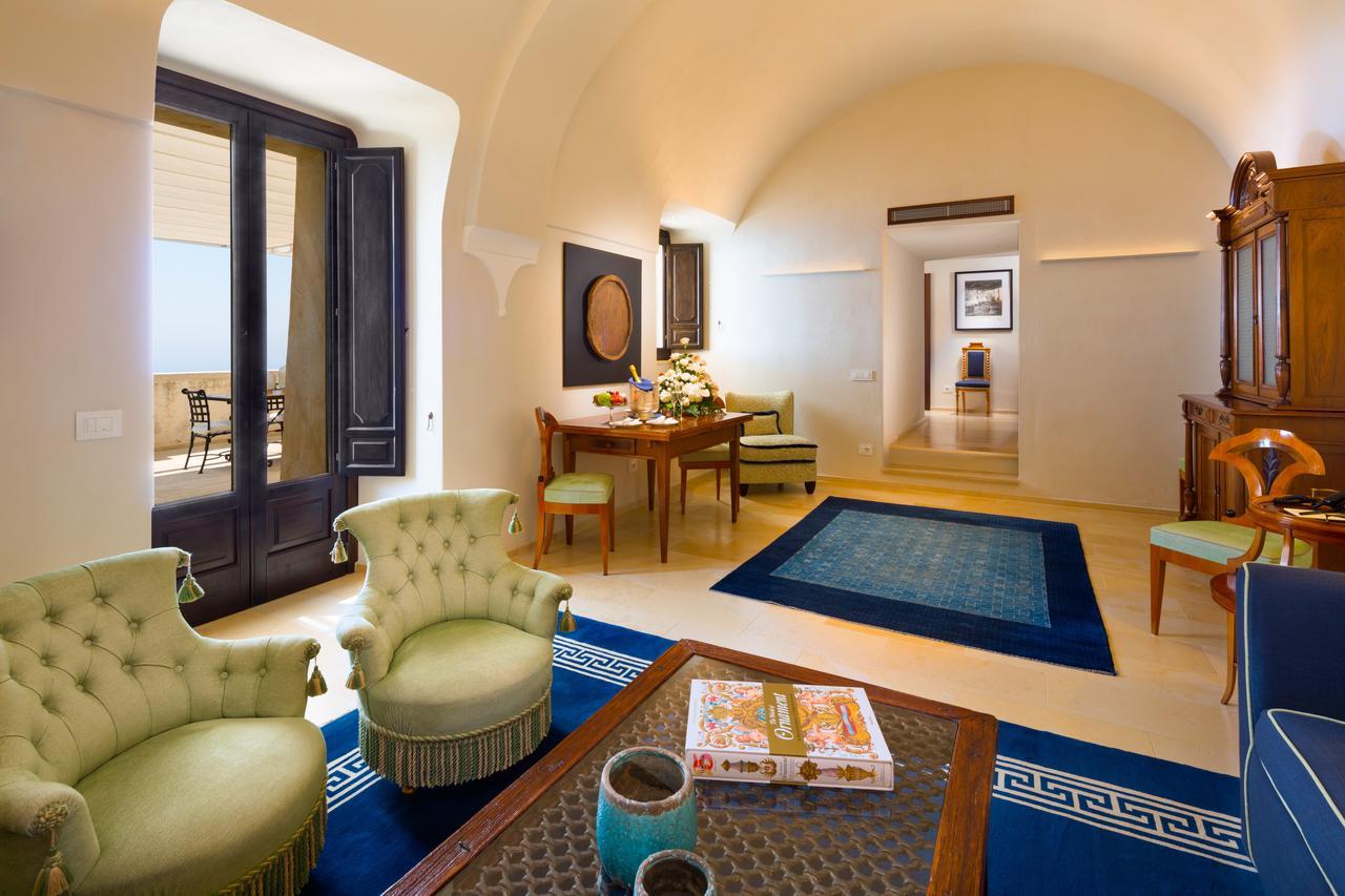 Living room in Monastero Santa Rosa Hotel & Spa
