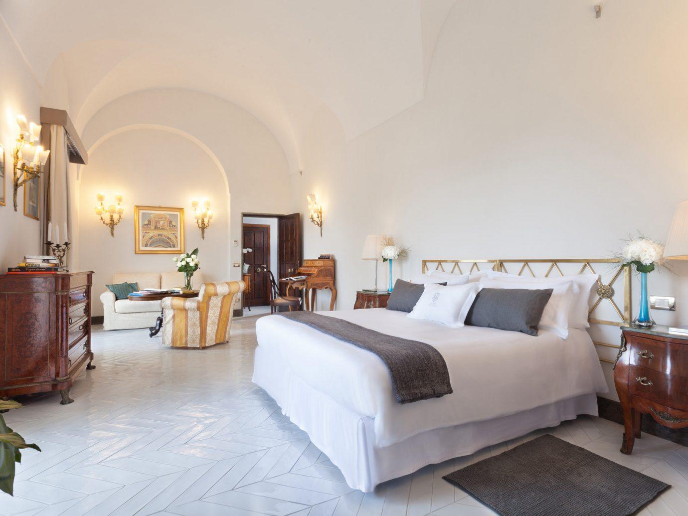 Bedroom at Grand Hotel Cocumella