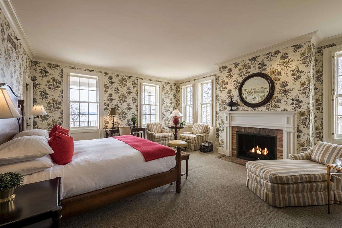 Bedroom at Aurora Inn