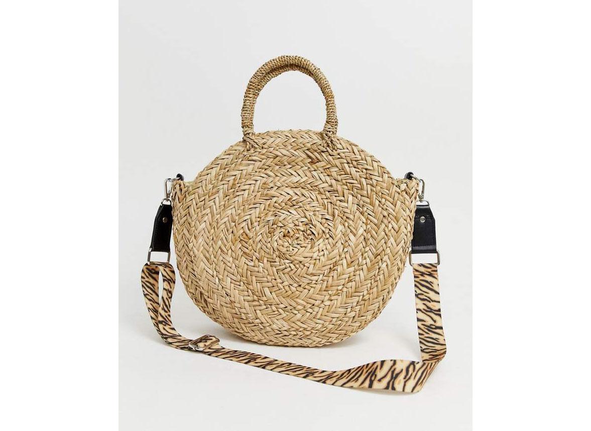 round straw crossbody bag